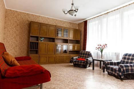 Сдается 2-комнатная квартира посуточно в Йошкар-Оле, ул. Комсомольская, 132.