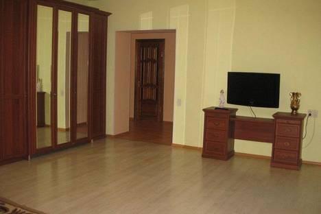 Сдается 3-комнатная квартира посуточнов Уфе, Кувыкина 16/2.