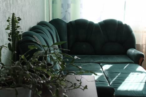Сдается 2-комнатная квартира посуточно, ул. 60 лет Октября 48.