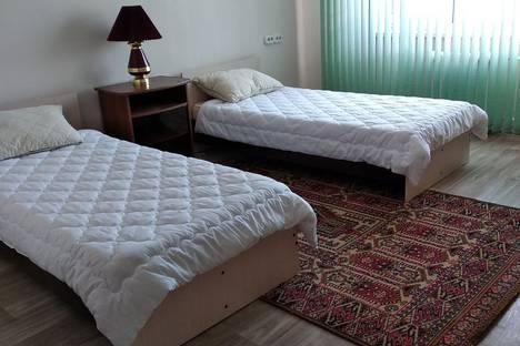 Сдается 3-комнатная квартира посуточно в Усть-Илимске, проспект Дружбы Народов 7.