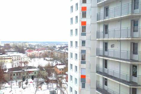 Сдается 2-комнатная квартира посуточно в Перми, Автозаводская улица, 30.