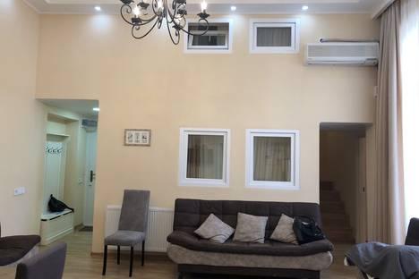 Сдается 4-комнатная квартира посуточно, улица Ингороква 20.