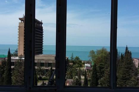Сдается 1-комнатная квартира посуточно в Гагре, улица Абазгаа, 61.