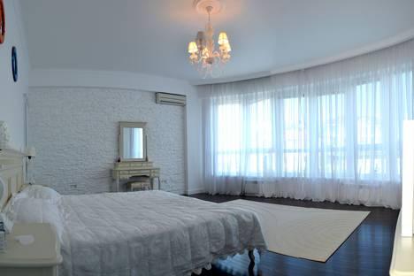 Сдается 2-комнатная квартира посуточно, Республика Крым, городской округ Ялта,Ялтинская улица, 16.