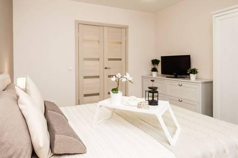 Сдается 2-комнатная квартира посуточно в Екатеринбурге, Трамвайный переулок, 2к4.