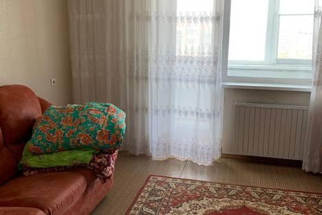 Сдается 2-комнатная квартира посуточно в Копейске, улица Калинина, 14.