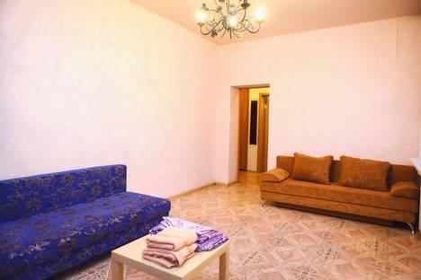 Сдается 2-комнатная квартира посуточно в Каменск-Уральском, Кунавина 25.