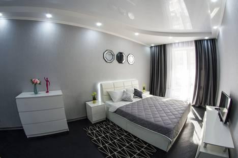Сдается 2-комнатная квартира посуточно в Омске, улица Масленникова, 58.