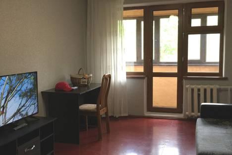 Сдается 2-комнатная квартира посуточно, 9 мкр., дом 40А.