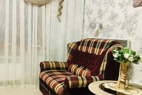 Сдается 2-комнатная квартира посуточно в Орджоникидзе, улица Ленина, 4А.