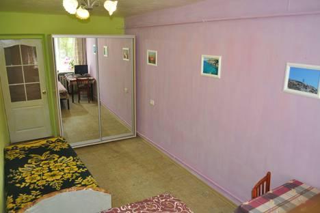 Сдается 2-комнатная квартира посуточно в Приморском, Республика Крым, городской округ Феодосия,улица Победы, 2.