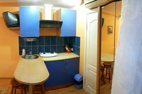 Сдается 1-комнатная квартира посуточно в Судаке, улица Бирюзова, 8.