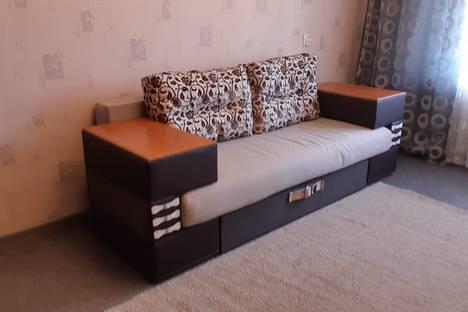 Сдается 2-комнатная квартира посуточно, бульвар Алексея-Толстого д.20.