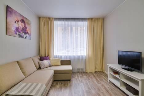 Сдается 1-комнатная квартира посуточно, Областная улица, 1.