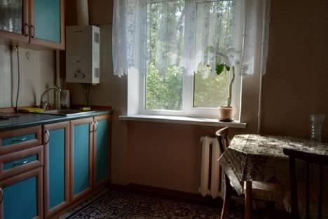 Сдается 1-комнатная квартира посуточно в Новороссийске, проспект Ленина, 17, подъезд 2.