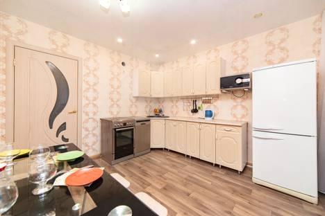 Сдается 2-комнатная квартира посуточно, улица Газовиков, 65.