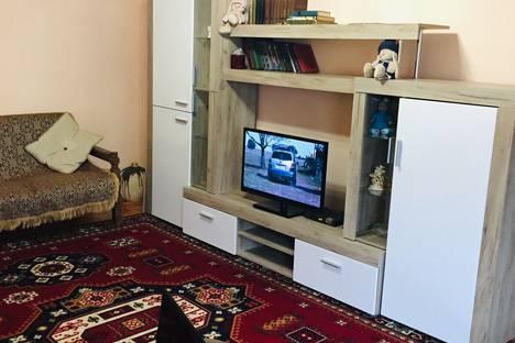 Сдается 2-комнатная квартира посуточно в Гагре, улица Абазгаа, 49/1.