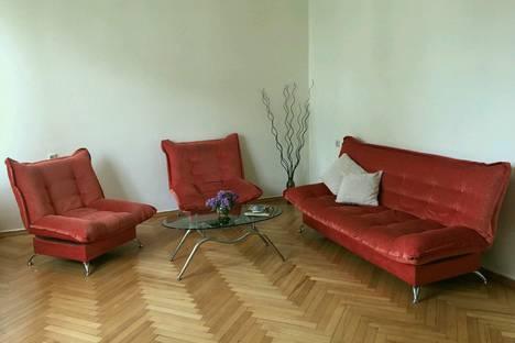 Сдается 3-комнатная квартира посуточно в Тбилиси, улица Тараса Шевченко 5.