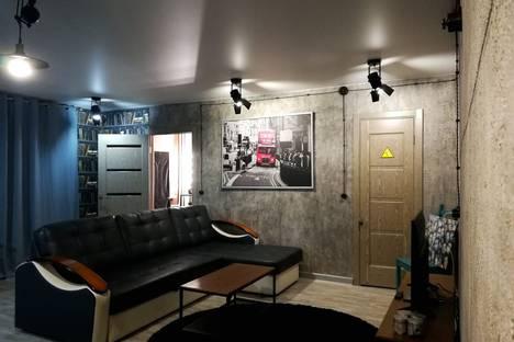 Сдается 2-комнатная квартира посуточно в Елабуге, пр-т Нефтяников 27.
