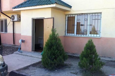 Сдается 3-комнатная квартира посуточно в Санаторном, Республика Крым, городской округ Ялта, поселок городского типа Форос, улица Северная.