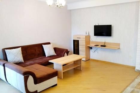 Сдается 2-комнатная квартира посуточно, улица Чаилури, 36.