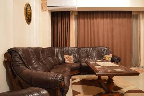 Сдается 3-комнатная квартира посуточно, Tbilisi, Veriko Anjaparidzis Street, 14.