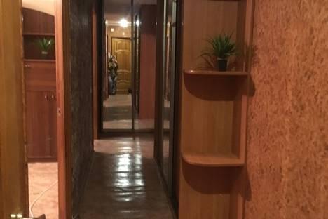 Сдается 2-комнатная квартира посуточно, Артема 128.