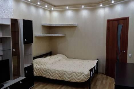 Сдается 1-комнатная квартира посуточно в Гатчине, улица Изотова, 18к1.