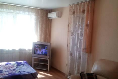 Сдается 3-комнатная квартира посуточно, проспект 100-летия Владивостока, 120.