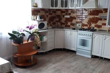Сдается 3-комнатная квартира посуточно в Богучаре, богучарский район воронежская область улица 25 лет октября 83.