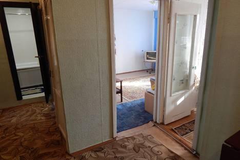 Сдается 2-комнатная квартира посуточно в Яровом, Алтайский край,квартал А, 35.