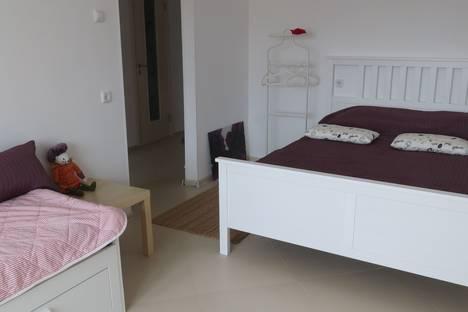 Сдается 1-комнатная квартира посуточно в Пскове, Коммунальная улица, 70.