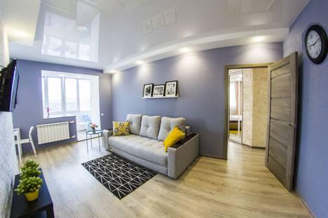 Сдается 2-комнатная квартира посуточно, проспект Карла Маркса, 30.