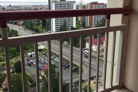Сдается 3-комнатная квартира посуточно в Петрозаводске, улица Чапаева, 40А.