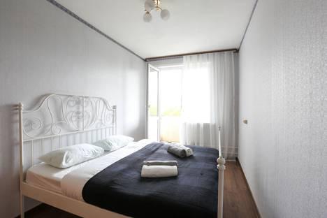 Сдается 2-комнатная квартира посуточно, Винницкая улица, 17.