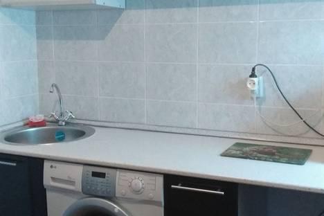 Сдается 1-комнатная квартира посуточно в Норильске, площадь Металлургов, 3.