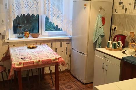 Сдается 4-комнатная квартира посуточно в Пицунде, Гагрский район,улица Агрба, 2.