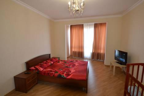 Сдается 3-комнатная квартира посуточно в Адлере, Сочи,переулок Богдана Хмельницкого, 8.