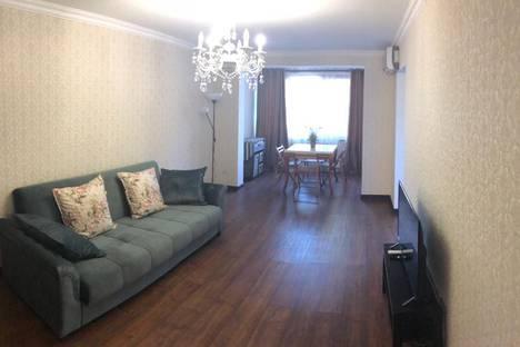 Сдается 2-комнатная квартира посуточно, Гагрский район,улица Гочуа, 15.