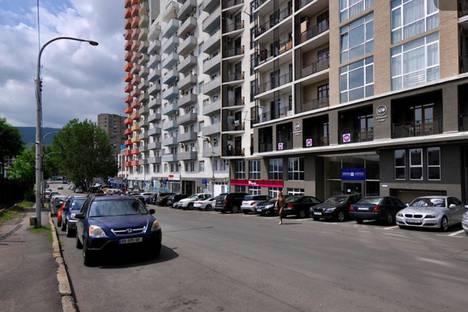 Сдается 2-комнатная квартира посуточно в Тбилиси, район Сабуртало Ул.Тавхелидзе#1а.
