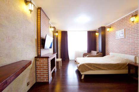 Сдается 1-комнатная квартира посуточно в Красноярске, улица Алексеева, 17.