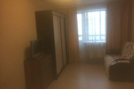 Сдается 1-комнатная квартира посуточно, жилой массив Олимпийский, 13.