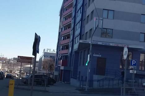 Сдается 2-комнатная квартира посуточно, улица Никитина, 107.