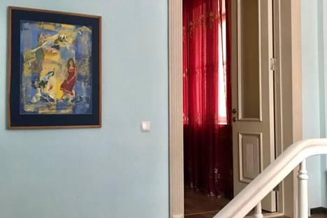 Сдается 4-комнатная квартира посуточно в Таганроге, Ростовская область,улица Фрунзе, 50.