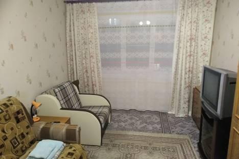 Сдается 1-комнатная квартира посуточно в Мурманске, улица Магомета Гаджиева, 6.