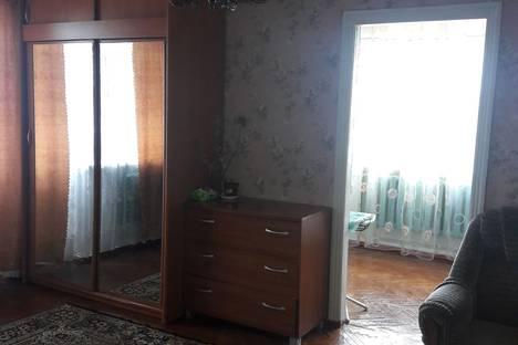 Сдается 2-комнатная квартира посуточно в Ейске, Ейский район,улица Калинина, 1.