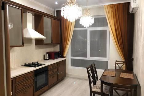 Сдается 1-комнатная квартира посуточно в Новороссийске, Суворовская улица, 71.