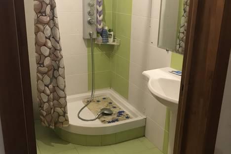 Сдается 2-комнатная квартира посуточно в Архипо-Осиповке, Вишневая улица, 15.