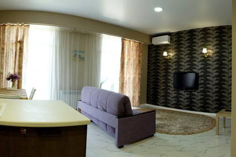 Сдается 2-комнатная квартира посуточно в Гурзуфе, Республика Крым, городской округ Ялта,Ялтинская улица, 12А.