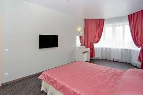 Сдается 2-комнатная квартира посуточно, улица Шеронова, 4к1.